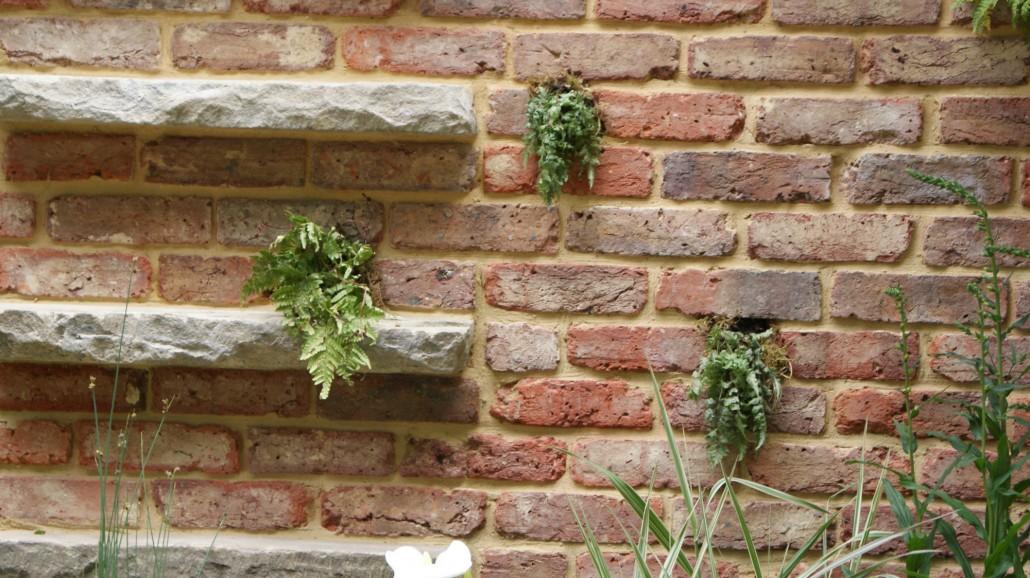 Klinker backsteine zinsser gartengestaltung for Gartengestaltung mauer