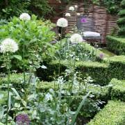 Formal nennt man die architektonische, gradlinige Gartenplanung