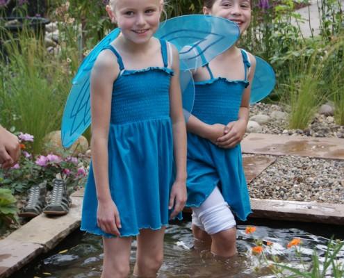 Kneipen in einem kleinen Wasserbecken