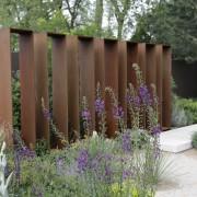 modernes Gartenkunstwerk
