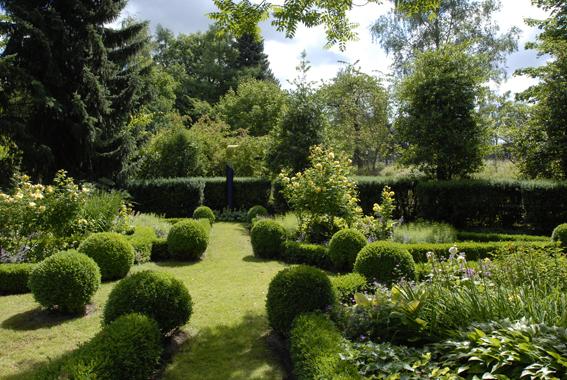 Westliches feng shui zinsser gartengestaltung for Gartengestaltung 100 qm