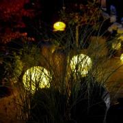 indirekte-gartenbeleuchtung-gartenstrahler-moonlight-kugelleuchten (3)