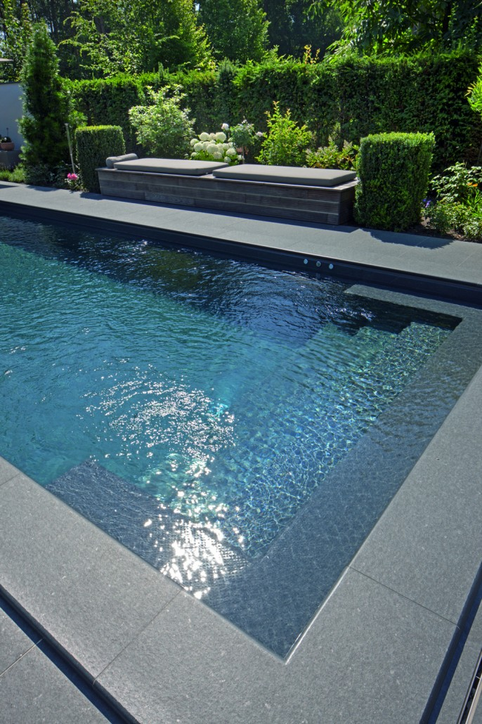 Swimmingpools zinsser gartengestaltung schwimmteiche for Garten pool inkl einbau