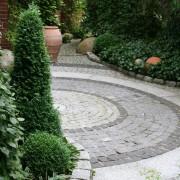 Pflasterungen aus Naturstein Granit und Basalt