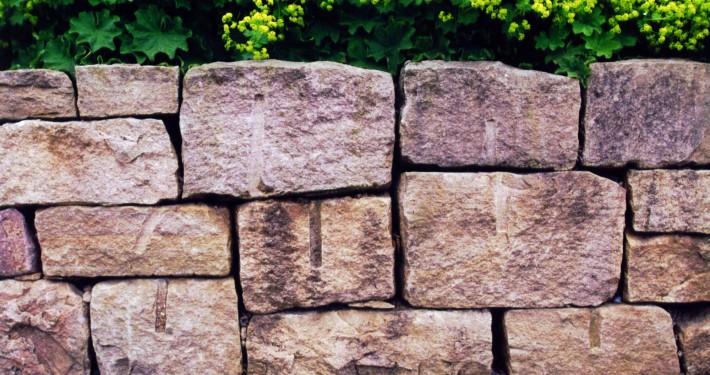 römischer Verband für kleine Mauern aus Granit