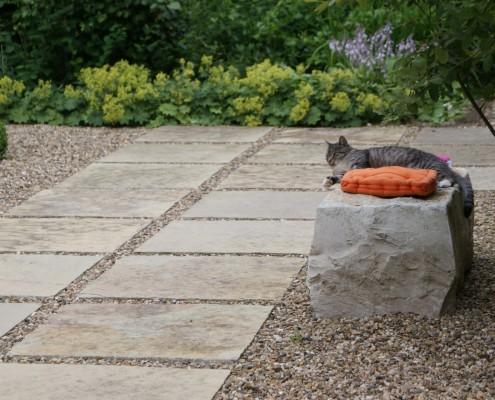 Kies und Schotter als Weg oder Terrasse