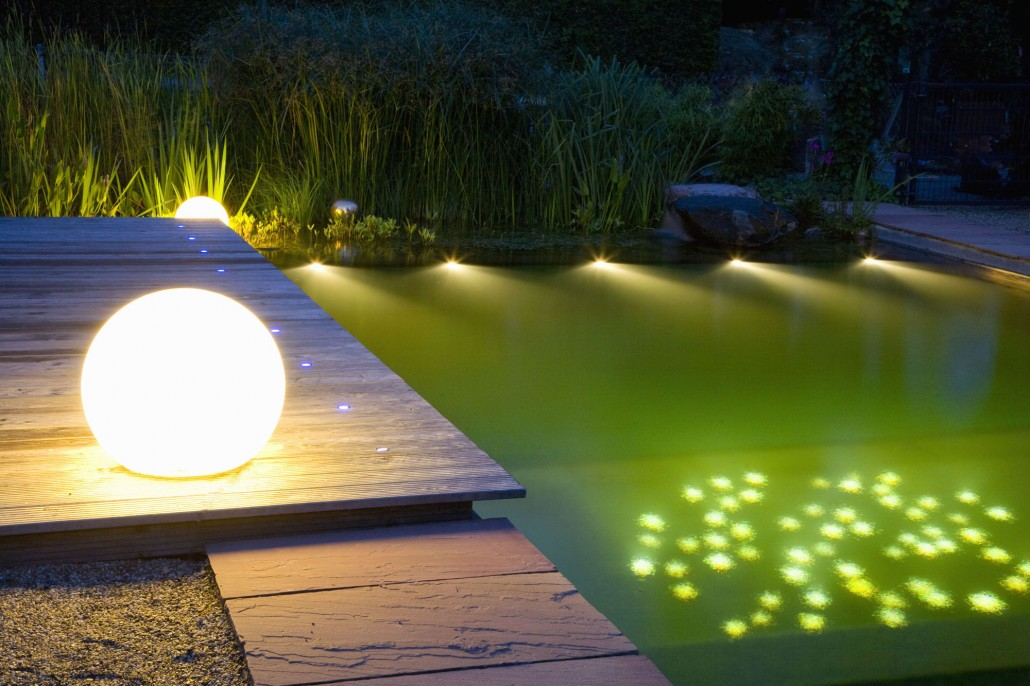 illumination licht im garten zinsser gartengestaltung schwimmteiche und swimmingpools. Black Bedroom Furniture Sets. Home Design Ideas