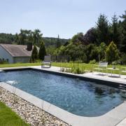 Fertige Schwimmbecken sind einfach zu reinigen und pflegeleicht in Braunschweig oder Wolfsburg
