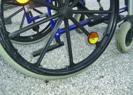 Räder oder Rollen sacken nicht in die Kies ein, sondern rollen auf den Waben