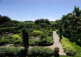 Formaler Bauerngarten in Lehmke